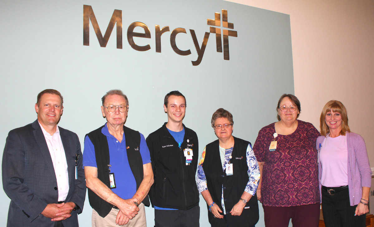Mercy_Fort_Smith_volunteers