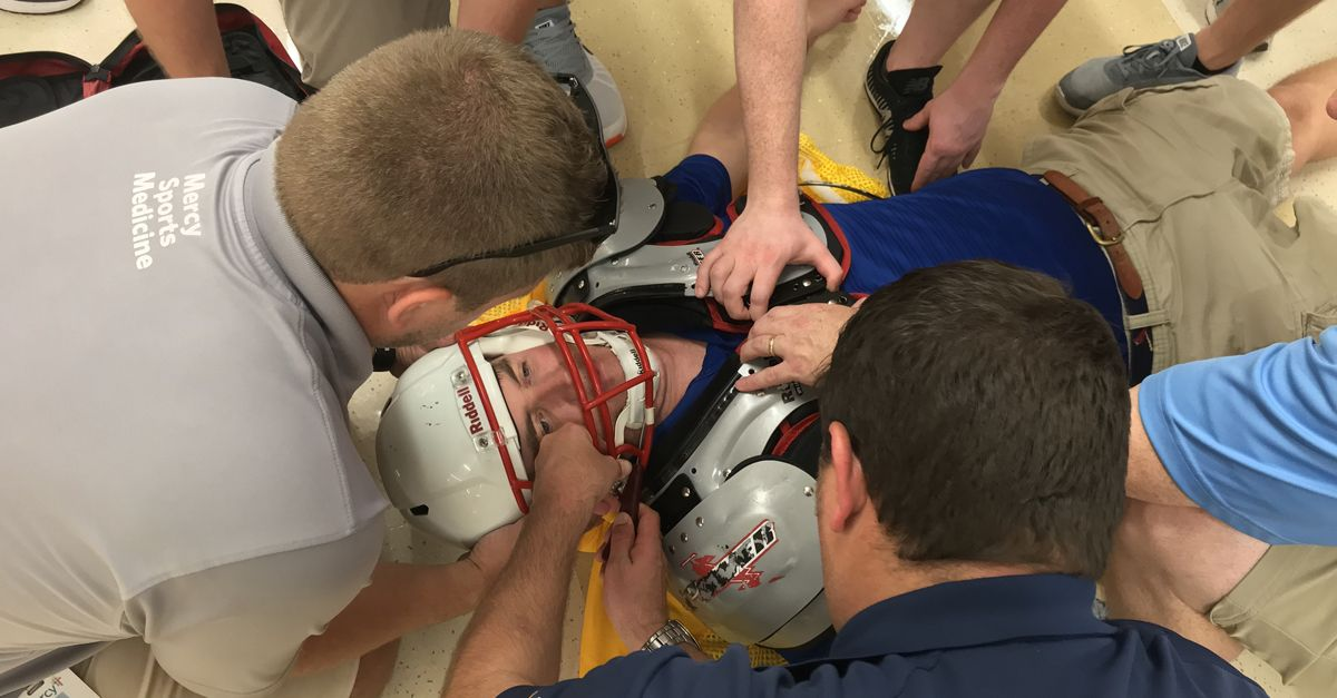 athletic-trainer-helmet-3-fb