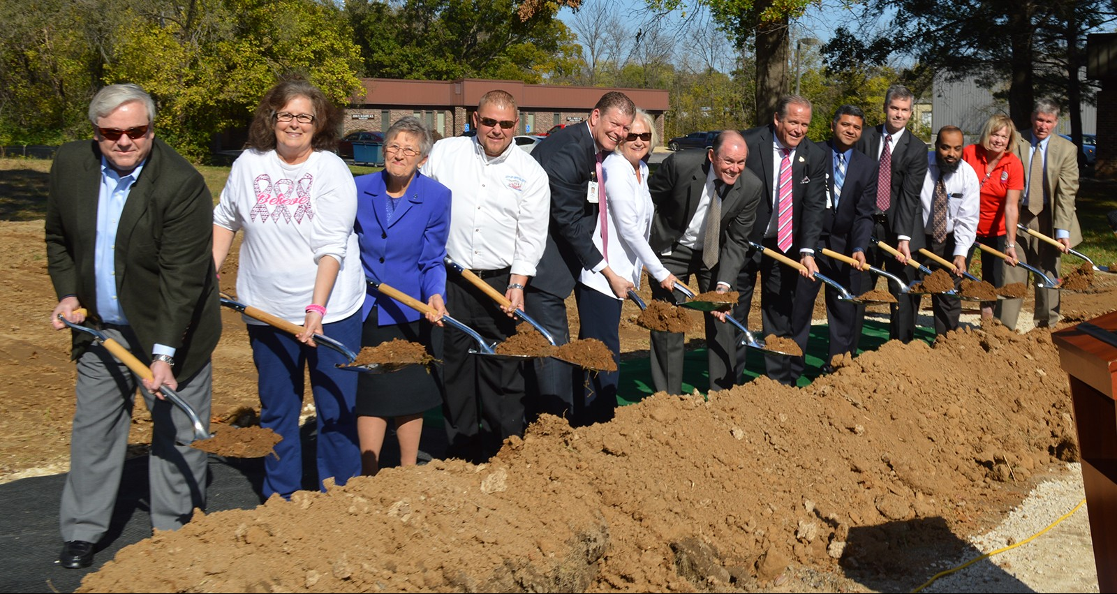 A picture perfect day kicked off the construction of the new Mercy Cancer Center Jefferson.