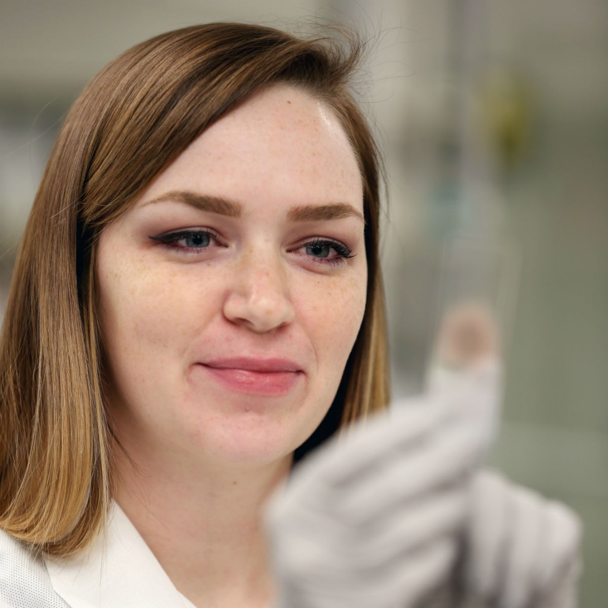 Alexa Miller knew she wanted to go into the medical field, but it was her participation in a 12-month Medical Laboratory Science (MLS) training program at Mercy Hospital Ardmore last year that solidified her decision.